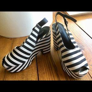 Kate Spade Sz 7 Saturday striped platform sandals.